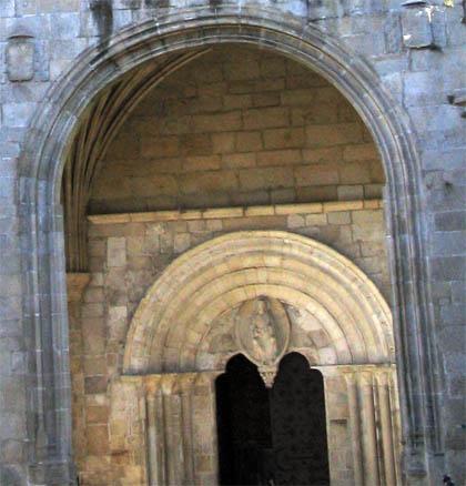 catedraldelugo_detalle_arco.jpg