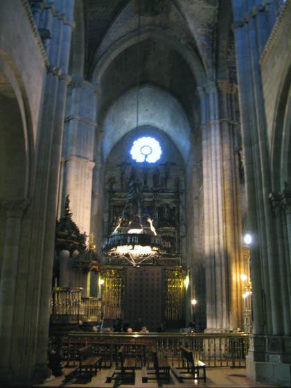 catedraldelugo_interior_ptaN.jpg