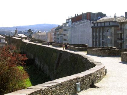 murallasdelugo_paseo1_paseoytorreones.jpg